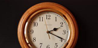 שעון קיר כפריט עיצובי